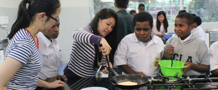 siswa memasak